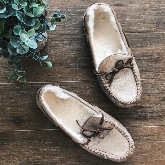 e19b4bb50258 GAP Shoes - GAP Champagne Moccasin Slippers Size 7